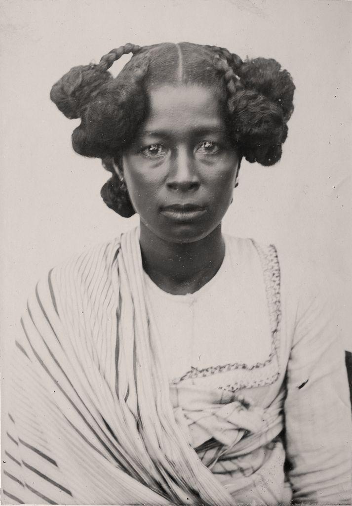 Portrait Of A Betsimisaraka Woman Circa 1890 In 2019 Vintage