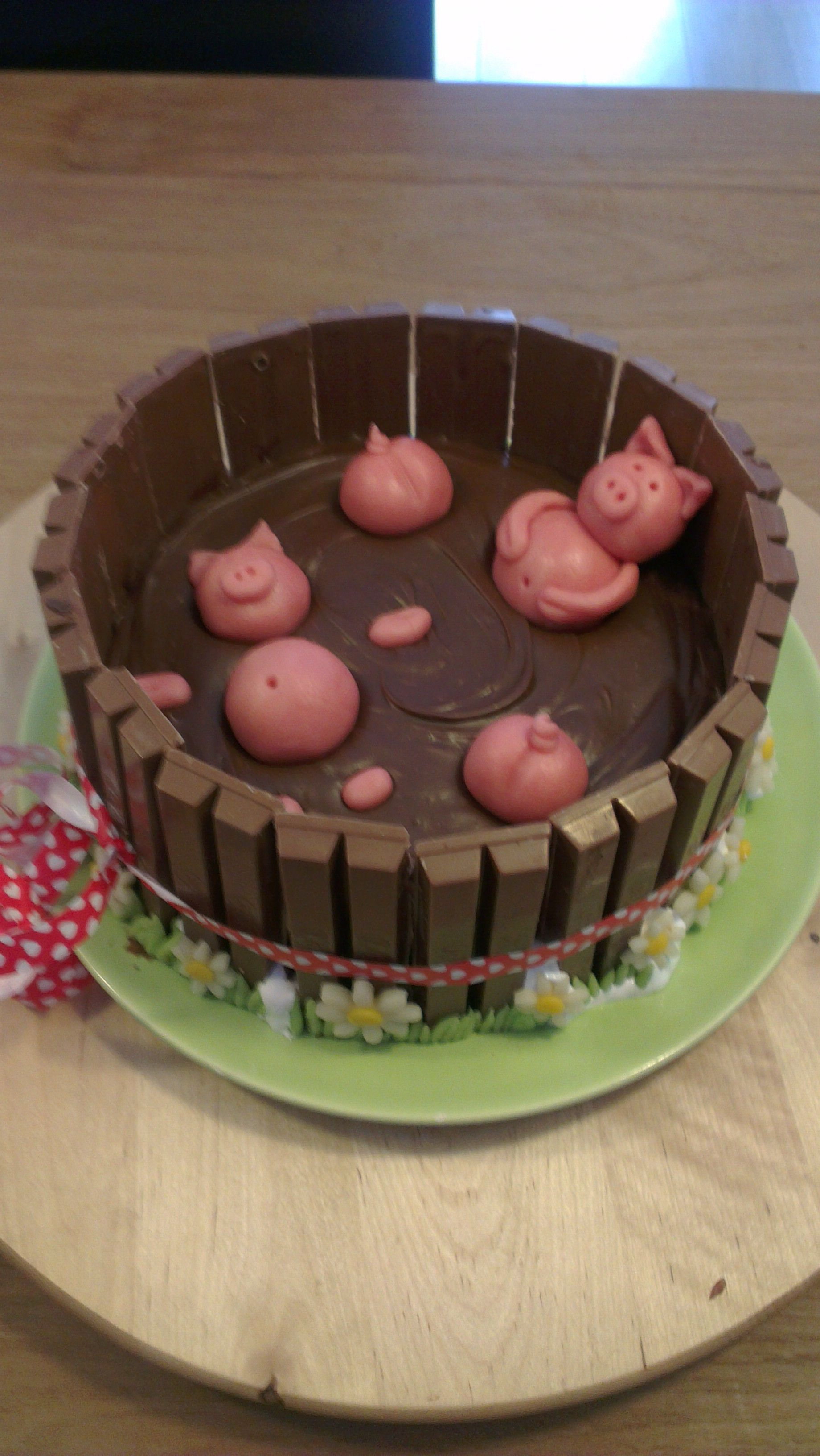 Pigs in mud cake. Not my recipe, but too cute not to post