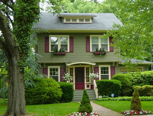 Delightful Exterior Color Scheme   Sage Green Base, Burgundy Shutters And Cream Trim