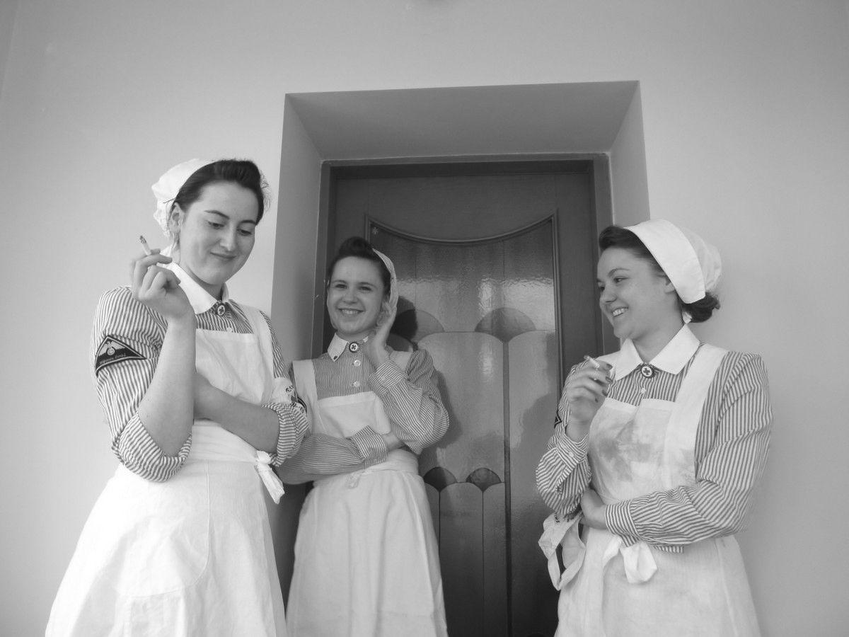 German Red Cross nurses (re-enactors) setting a bad example.