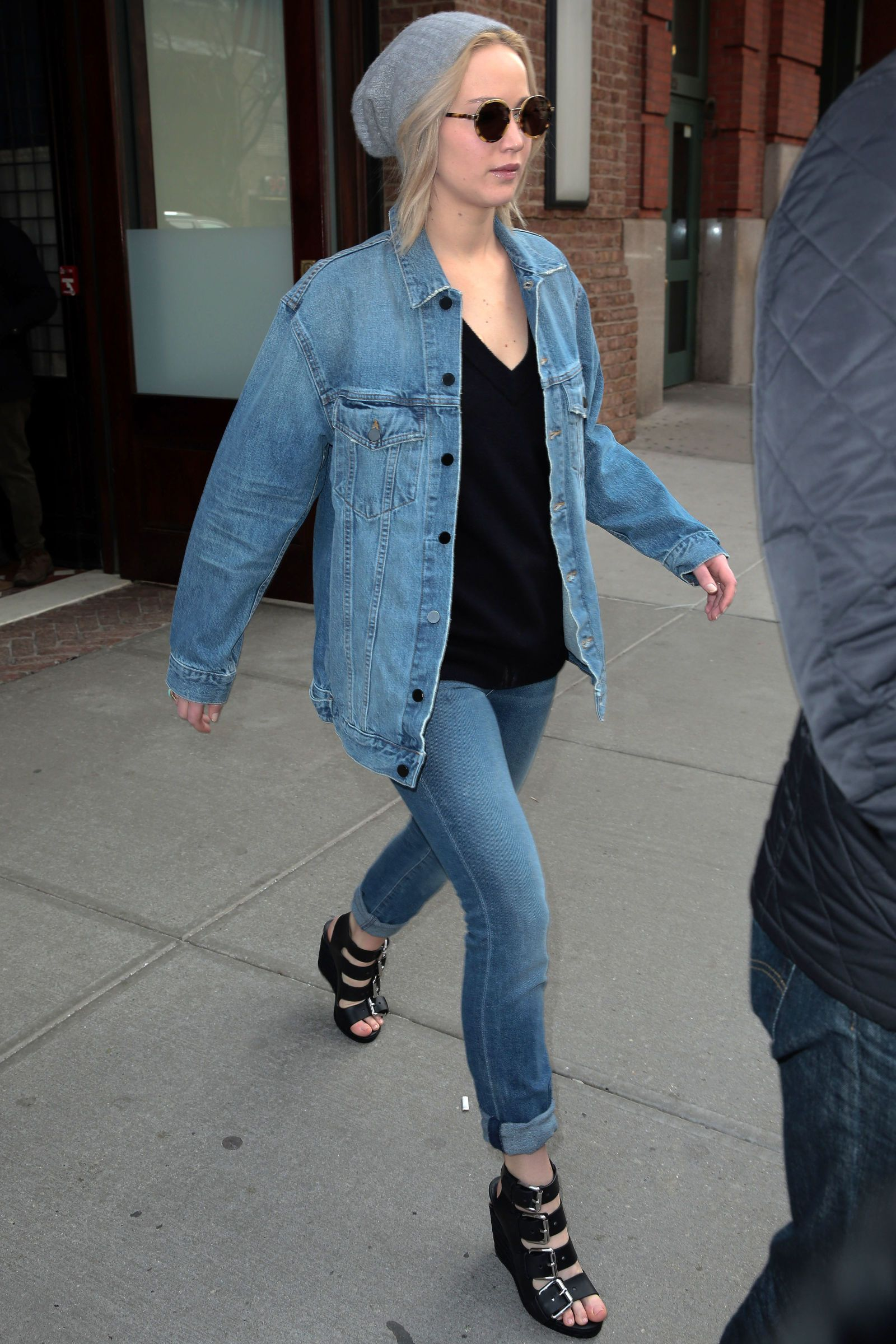 32 jennifer lawrence casual street style to inspire your outfit 32 jennifer lawrence casual street style to inspire your outfit voltagebd Image collections