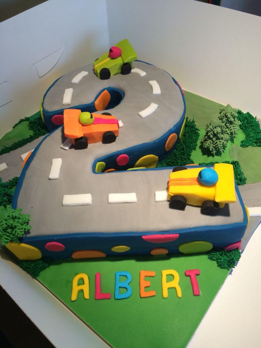 Number 2 Boys Racing Car Cake Mit Bildern Geburtstag Geburt
