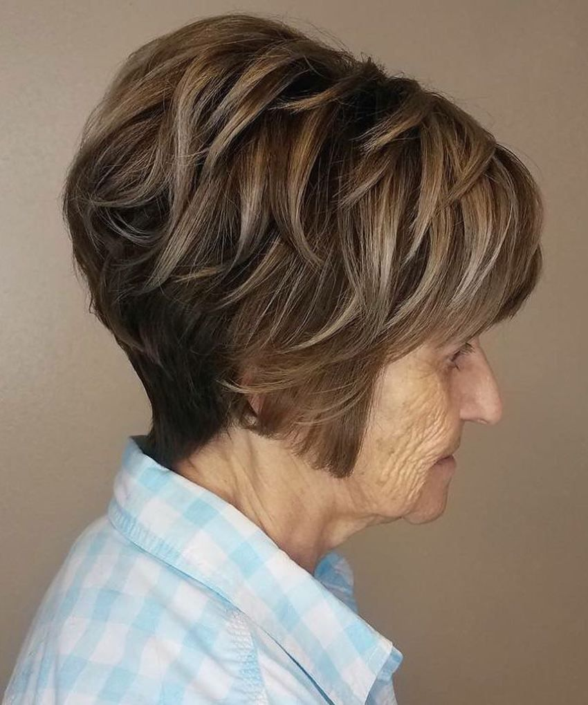 Over Short Feathered Haircut Womenshaircutsinspireme Womens