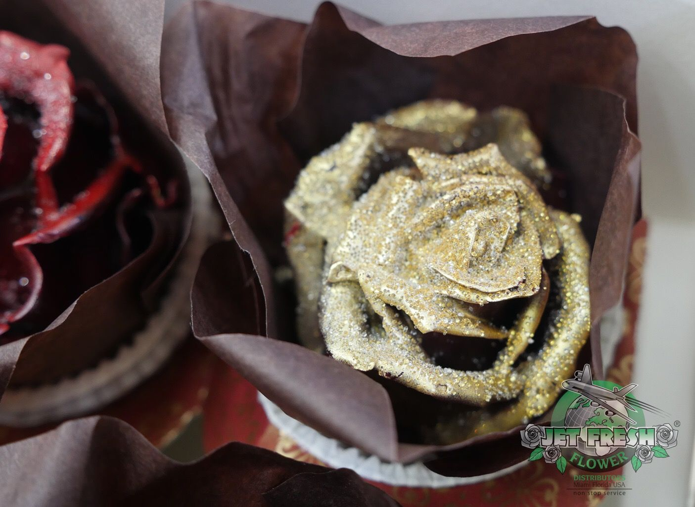 Gold Glitter Cupcake Roses - they are not edible, but they make great  party favors for your next event. Now available at Jet Fresh Flowers.