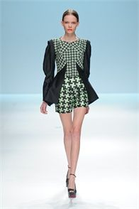 Lie Sang Bong - Spring Summer 2013 Ready-To-Wear - Shows - Vogue.it