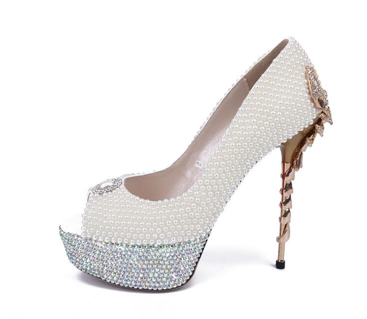79.00$  Watch here - http://alieqb.worldwells.pw/go.php?t=32768672905 - White Pearl scorpion fish Mouth Peep Toe Thin Heels Crystal Platform Pearl Super High Shoes Bridal Wedding Shoes Girl Pumps