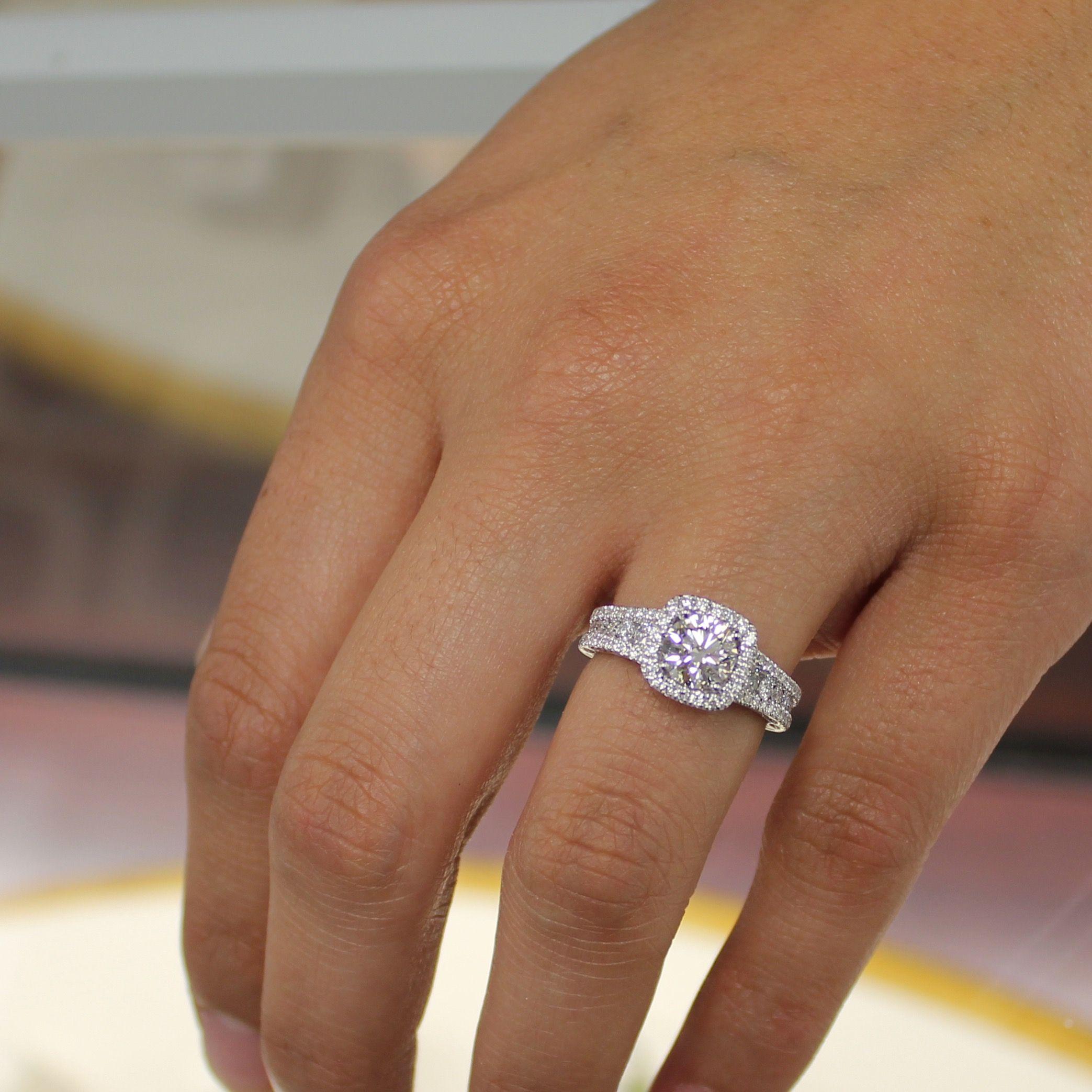 Bague Fiancaille Femme Swarovski : Bague en or carat style entourage avec diamant diamond