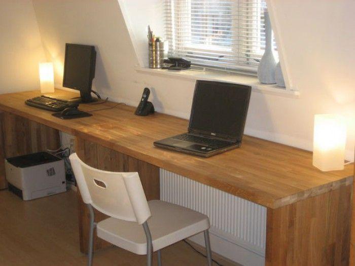 Slim bureaus gemaakt van ikea keukenbladen. misschien zijn er ook