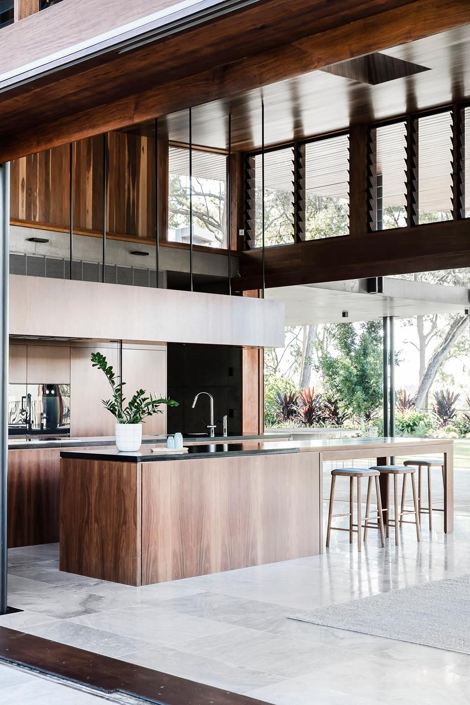 A flexible family home surrounded by nature Renovation