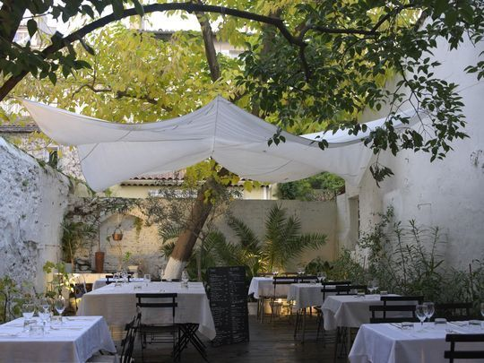 El Picoteo Hommage A Ma Maman Resto De Tapas Marseille Marseille Hommage A Ma Maman Amenagement Restaurant