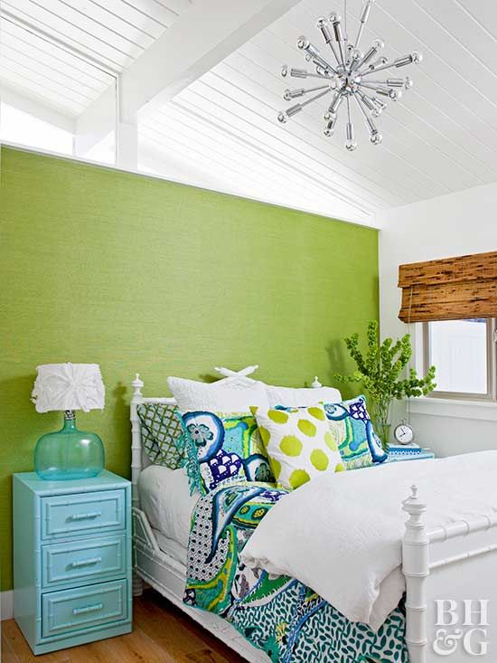 Lime And Other Bright Yellow Greens Emerald Leaf Citron Make For A Sweet Not Sour Combination When Paired With White Navy Aqua Warm Light Blue