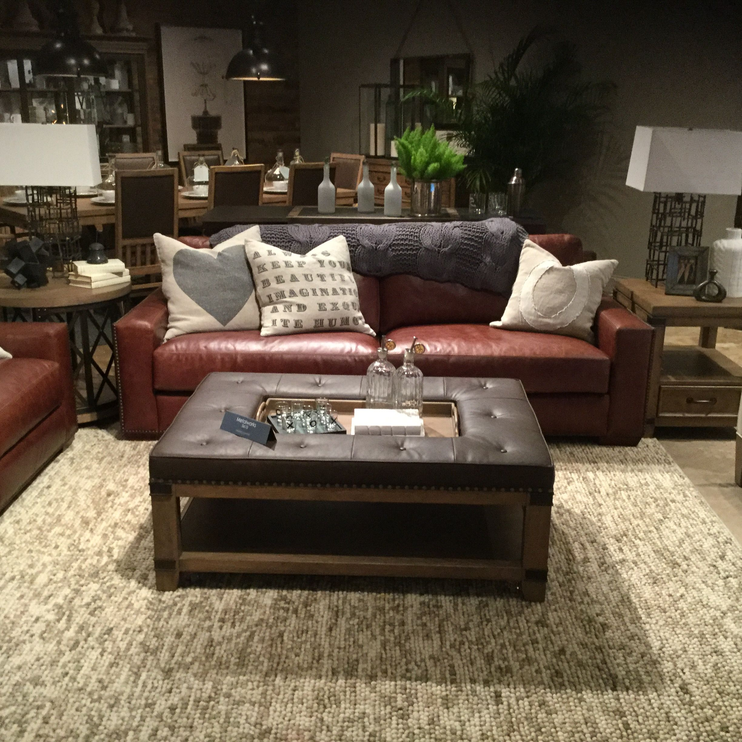 Luxe Leather Craftmaster Furniture Craftmaster Furniture Furniture Bed In Living Room