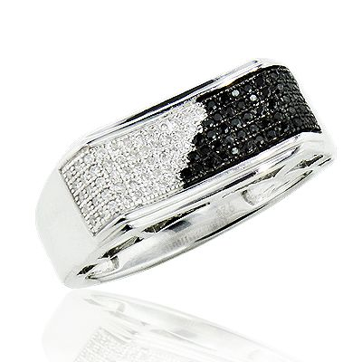This Mens Black And White Diamond Pinky Ring In Sterling Silver Showcases 0 30 Carats Of Round Diamond Black Gold Jewelry Men Diamond Ring Mens Diamond Jewelry