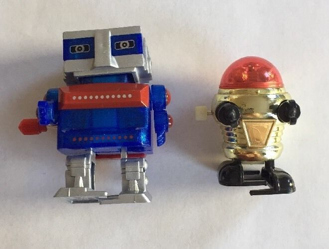 Wind up robots giveaways