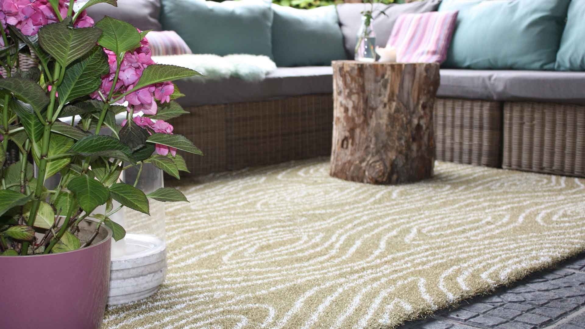 Outdoorcarpets Are The In Component Nowadays And Are A Standing Photo Carpet Abudhabi Has A Substantial Sort O Outdoor Carpet Carpet Companies Buying Carpet