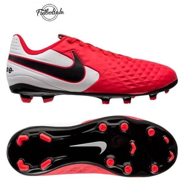 Épinglé sur The significance of football boots