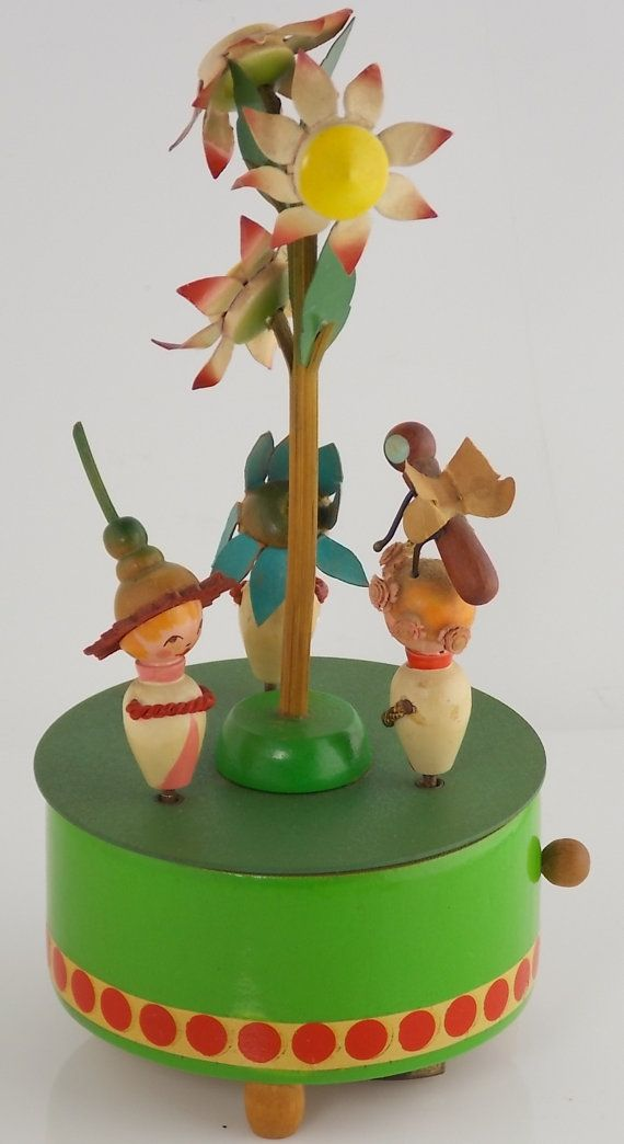 Vtg. Erzgebirge German Folk Art Music Box with by chapelgateroad, $79.00