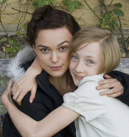 Keira Knightley & Saoirse Ronan On The Set Of Atonement