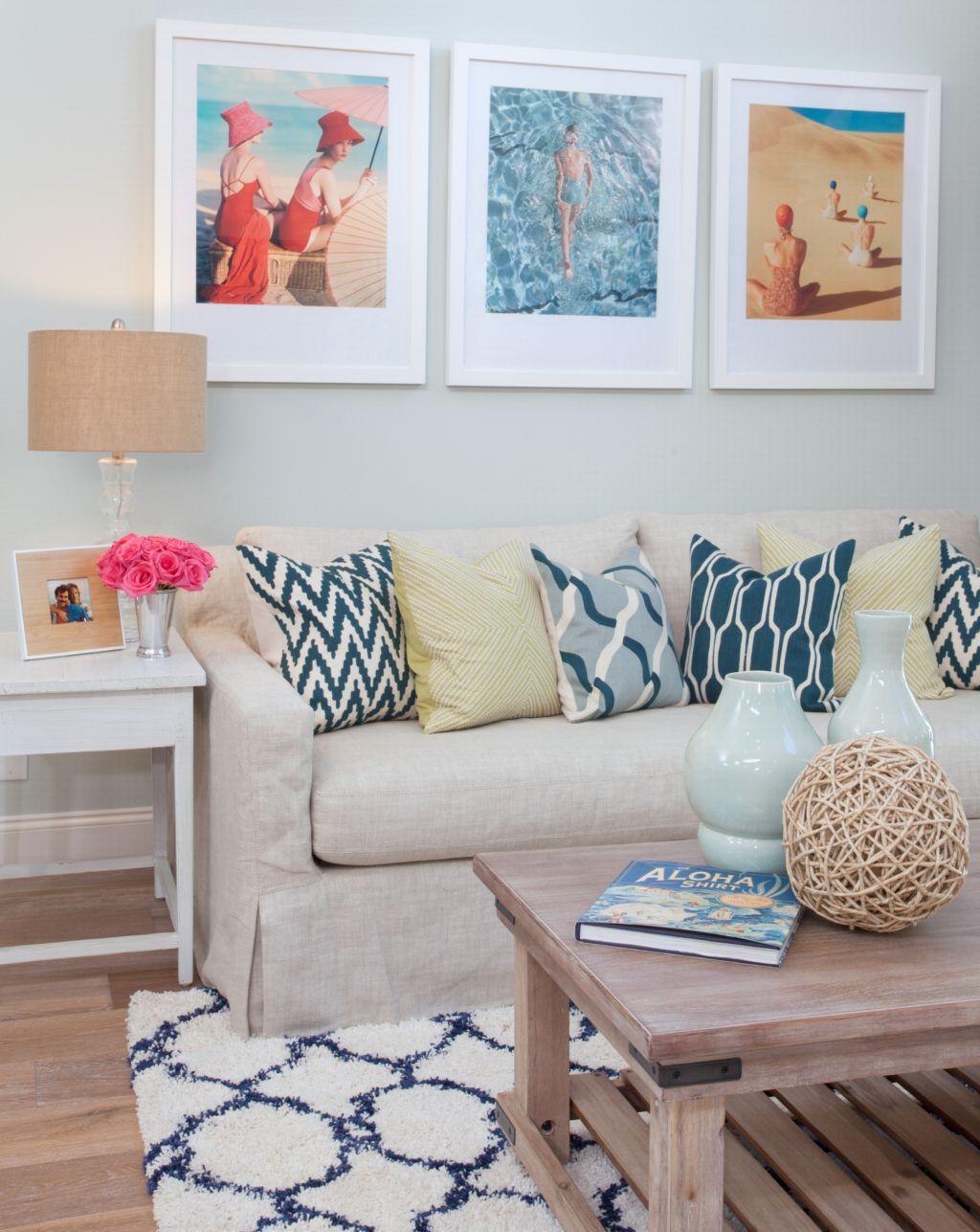AGK Design Studio (House of Turquoise)   Coastal living rooms ...
