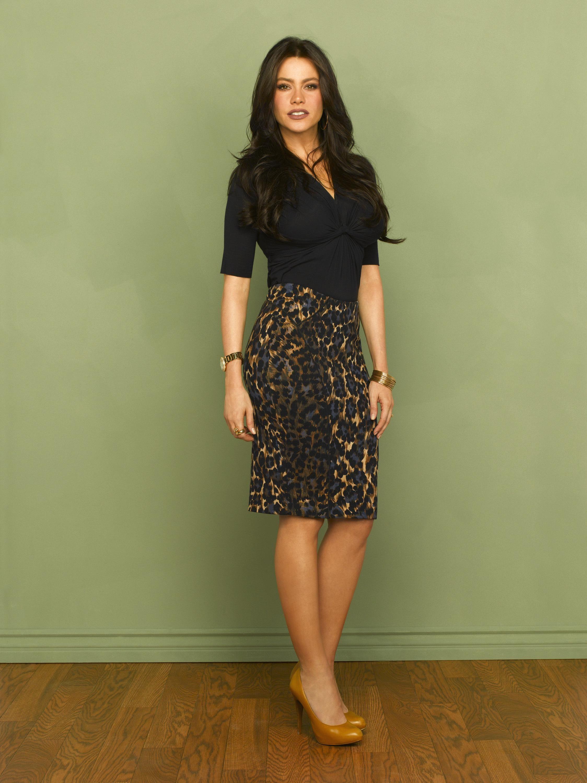 Modern Family Season 1 Promo Leopard Print Pencil Skirt Style Outfits