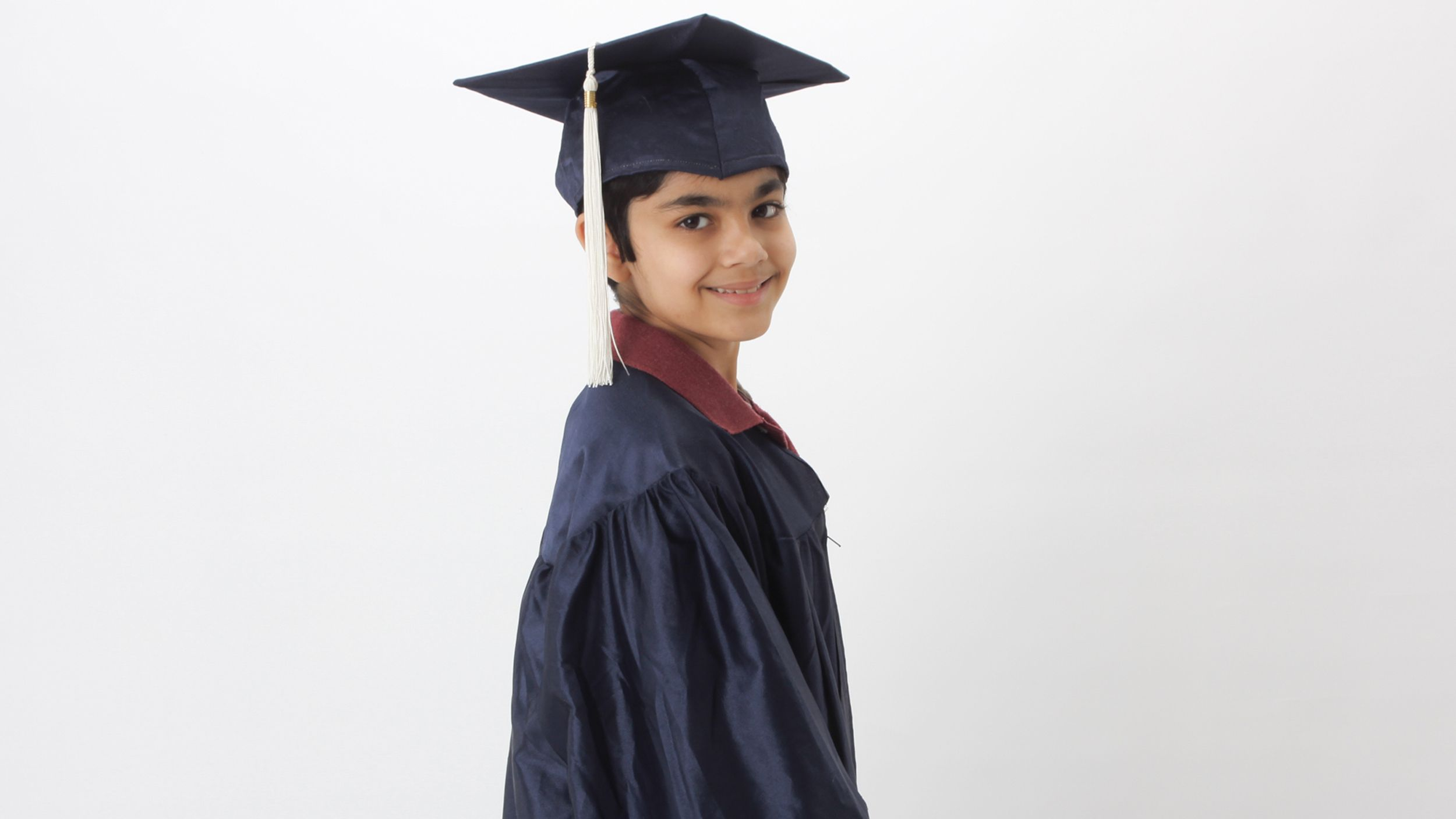 Meet The 10 Year Old Prodigy Who Just Graduated From High School High School 10 Year Old High School Graduation