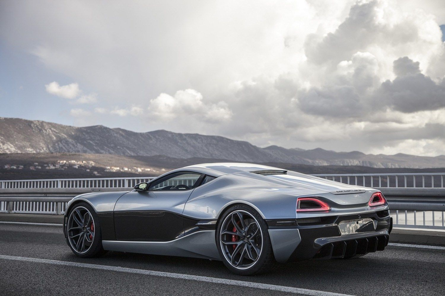 Rimac Unveils The Production Version Of Its Concept One Concept Cars Super Cars Performance Cars