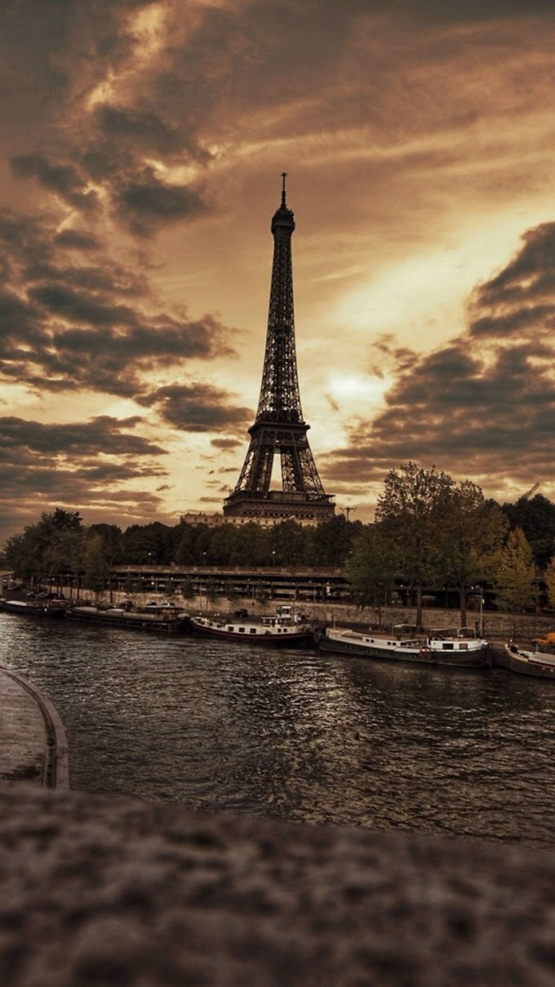 Beautiful France Eiffel Tower City Storm Skyscape #iPhone #7 #wallpaper