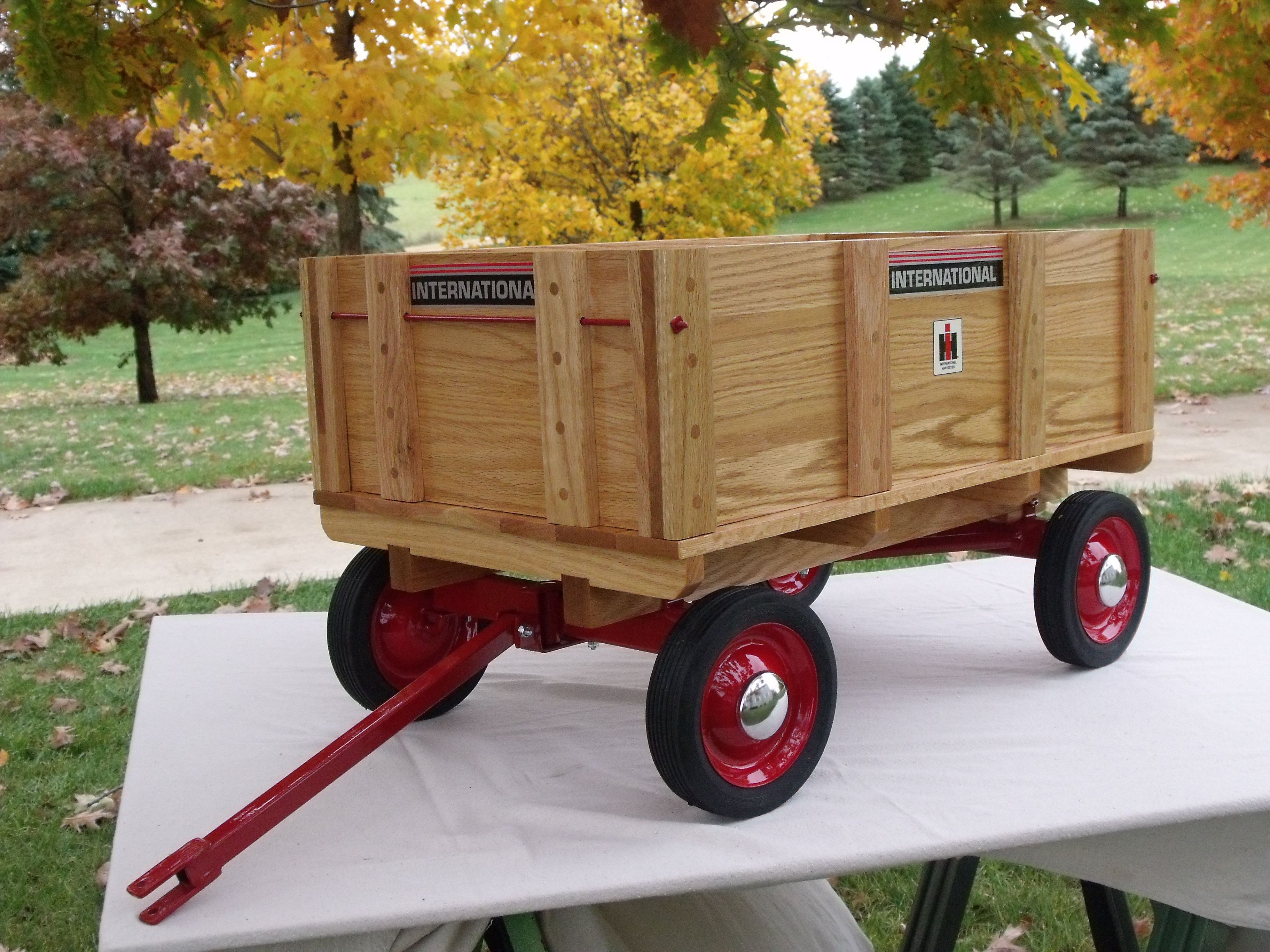 IH Pedal Tractor Wagon   A Few Wood Projects from my past ...