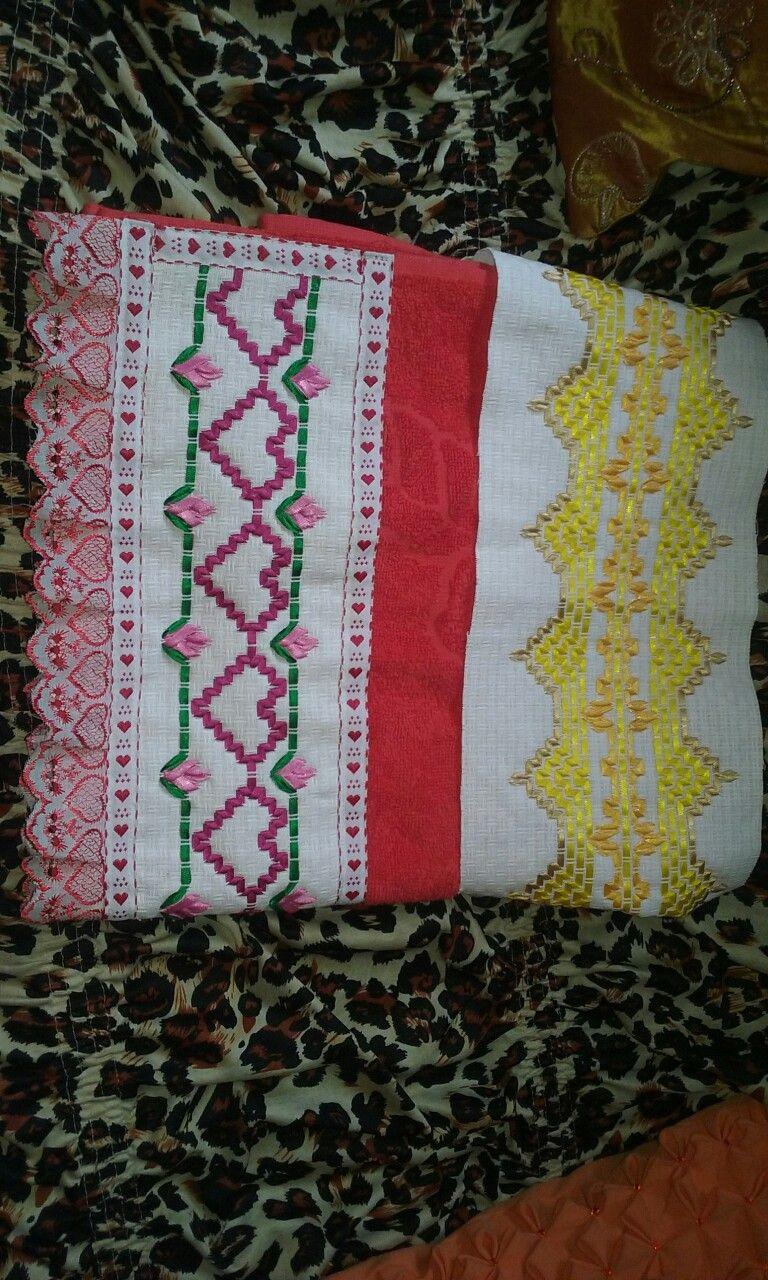 Barra para toalha com bordado em fita