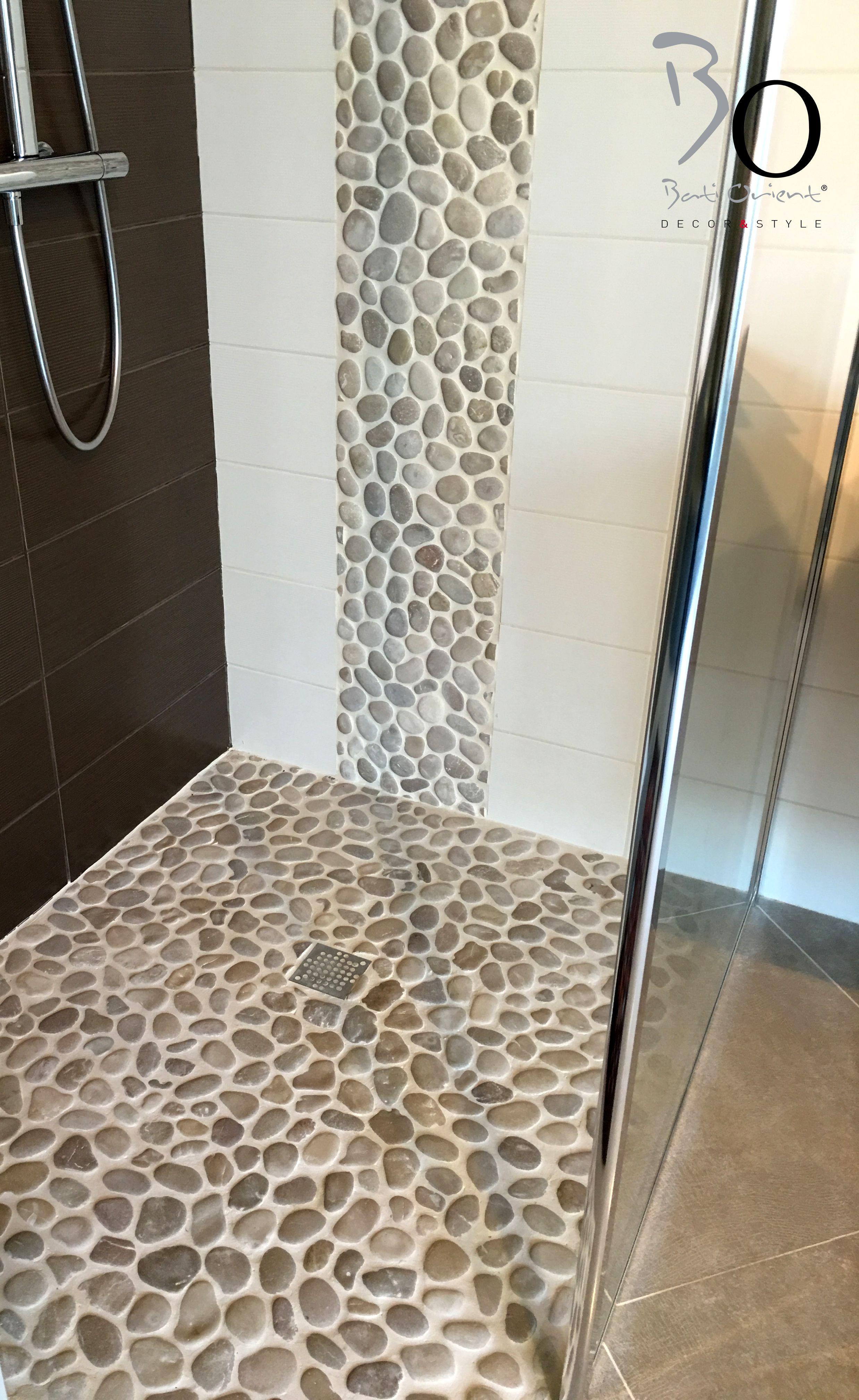 Bati Orient présente un sol de douche en #galets rectifiés
