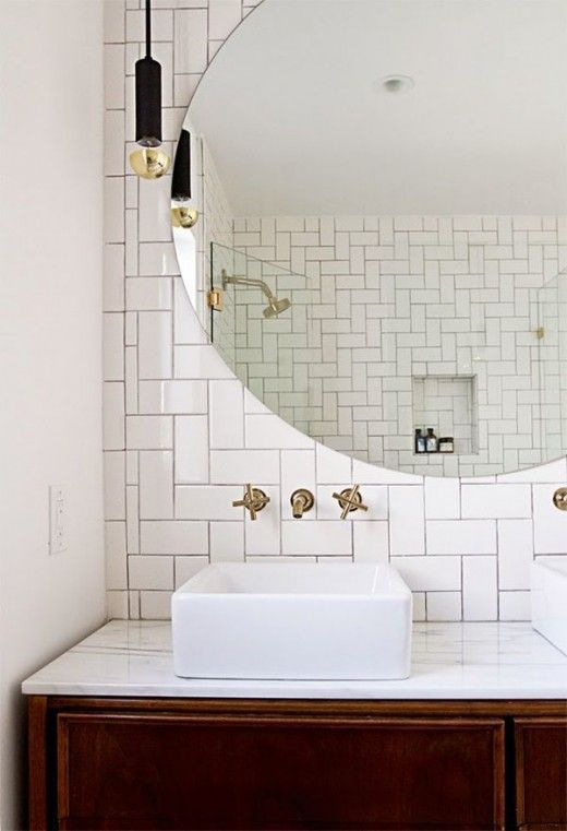 How To Make A Small Bathroom Look Bigger In 7 Tips Bathroom Design Round Mirror Bathroom Bathroom Inspiration
