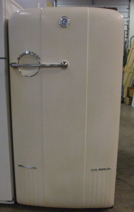 1940 S Kelvinator Vintage Refrigerator Vintage Kitchen Appliances Vintage Fridge