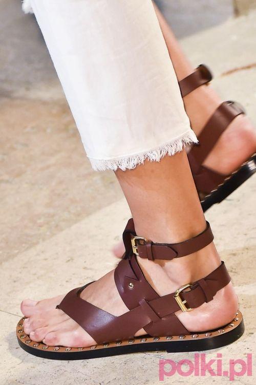 10 Modeli Butow Ktore Beda Najmodniejsze Wiosna I Latem Fashion Slippers Fashion Shoes Leather Sandals