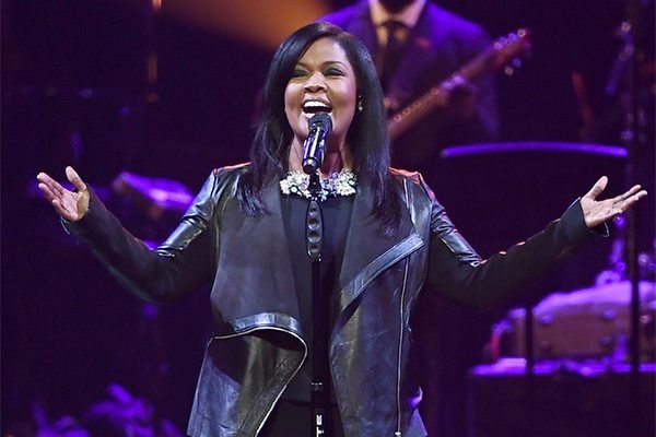 Cece Winans Wins Two Grammy Awards Celebrates With Church
