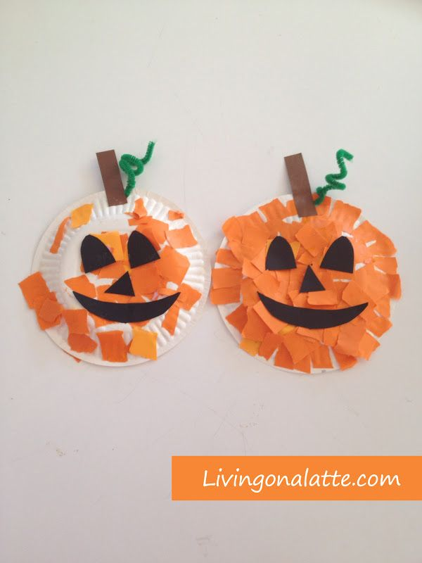 Paper plate pumpkins #fallcraftsfortoddlers