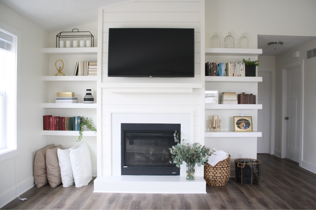 Fireplace with built in shelves. White home inspo in 2019 ...