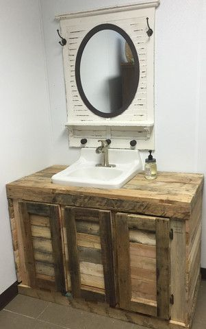 This desk/vanity made of pallets is a must have. (Baskets NOT included) *For a…