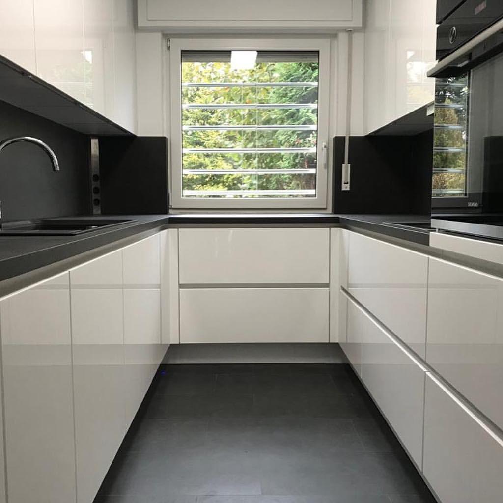 ???????????? Traumhaft ???????????? #Grifflos ????, #Praktisch ????, #Einzigartig ???? diese neue #Super U-Küche haben wir in #Mülheim montiert ✅ #wohnungküche