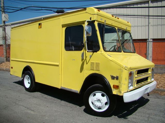 91 Gmc 13ft Step Van Once Own By Nyc Municipality For Sale Our Step Vans Are Perfect For Food Trucks Or Delivery Van 20k Miles Mor Step Van Van For Sale Vans