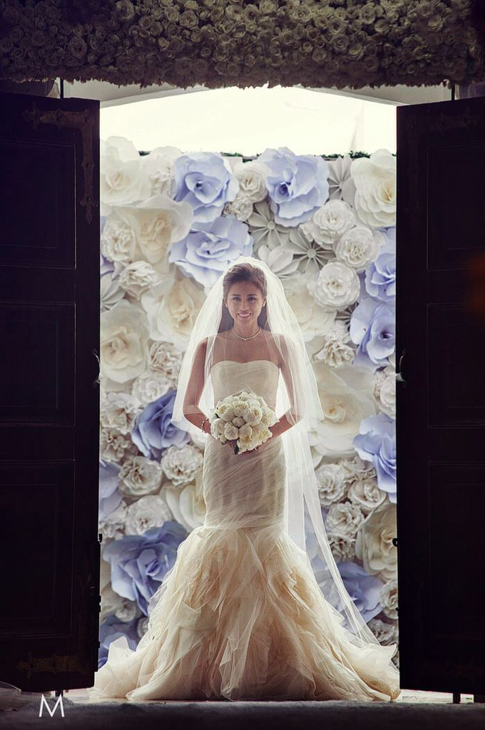 Toni Gonzaga Wedding Gown By Vera Wang Wedding Dresses With Flowers Toni Gonzaga Wedding Celebrity Wedding Gowns