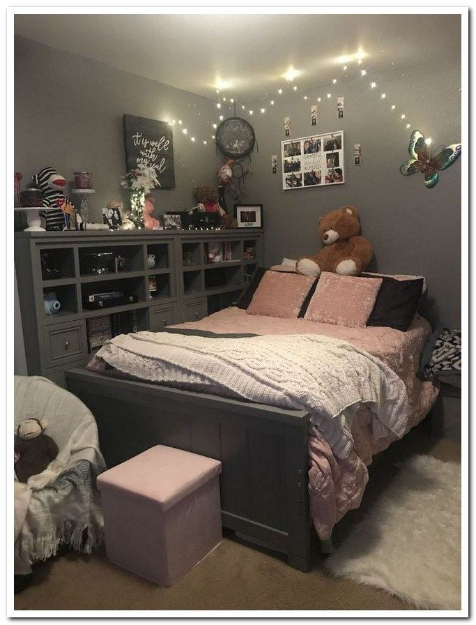 40 dorm room decor ideas in 2019 25 is part of Small room bedroom, Remodel bedroom, Small apartment room, Room decor, Bedroom makeover, Apartment room - 40 dorm room decor ideas in 2019 25
