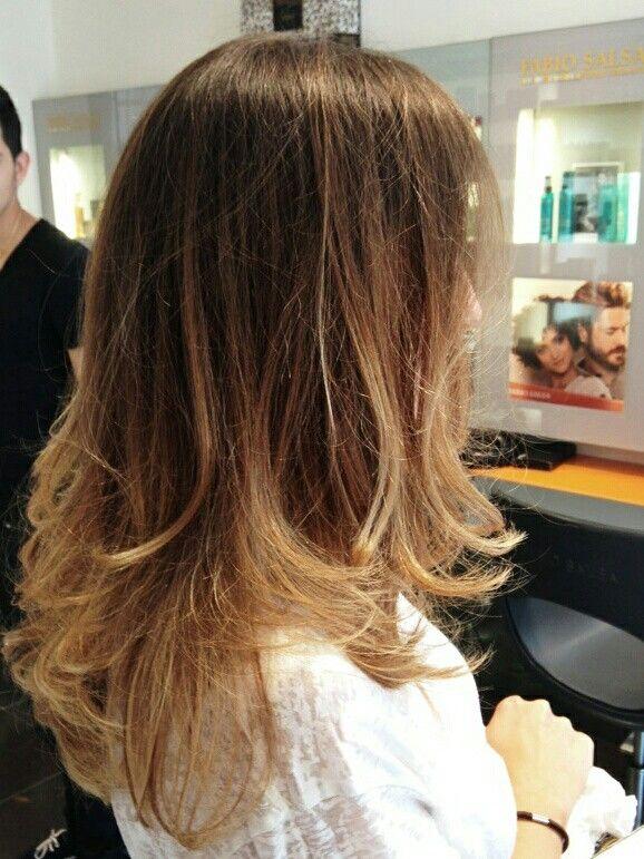 Tie And Dye Hair Ombre Hair Fait Par Araz Au Salon Fabio Salsa Paris Rue Legendre Cheveux Coiffure Coiffure Styles De Coiffures Cheveux
