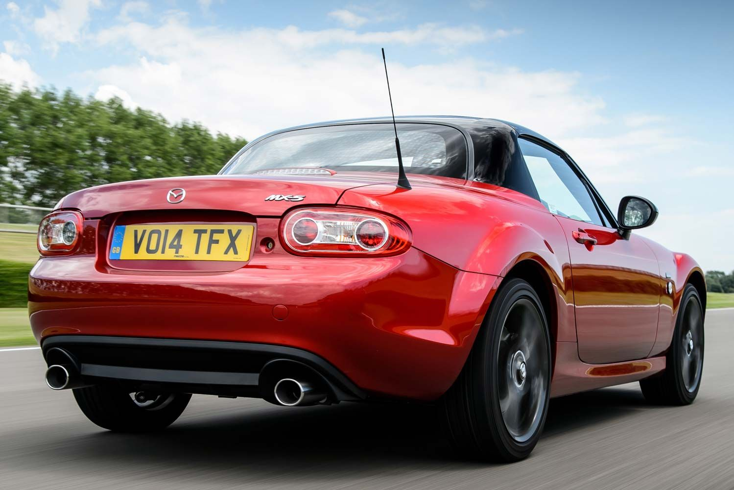 Mazda mx 5 happy birthday edition a really great convertible roadster at a great price