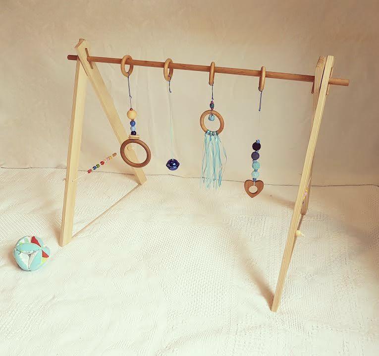 portique d 39 veil en bois personnalisable ou baby gym jeux peluches doudous par tous les. Black Bedroom Furniture Sets. Home Design Ideas