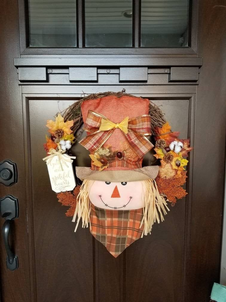 Scarecrow Wreath, Halloween Wreath, Fall Wreath, Thanksgiving Wreath, Front Door Wreath, Scarecrow Decor, Fall Decor, Halloween Decor #scarecrowwreath