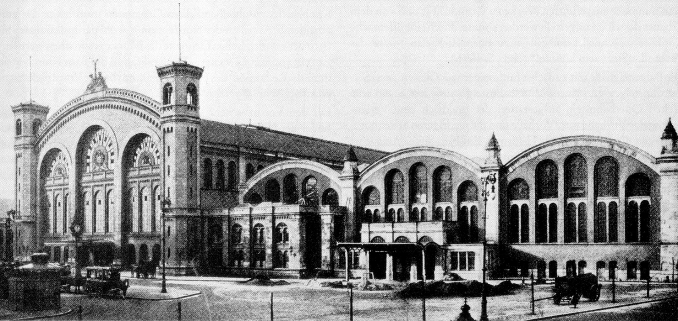 Stettiner Bahnhof nach der Erweiterung um 3 Hallen 1904 ...