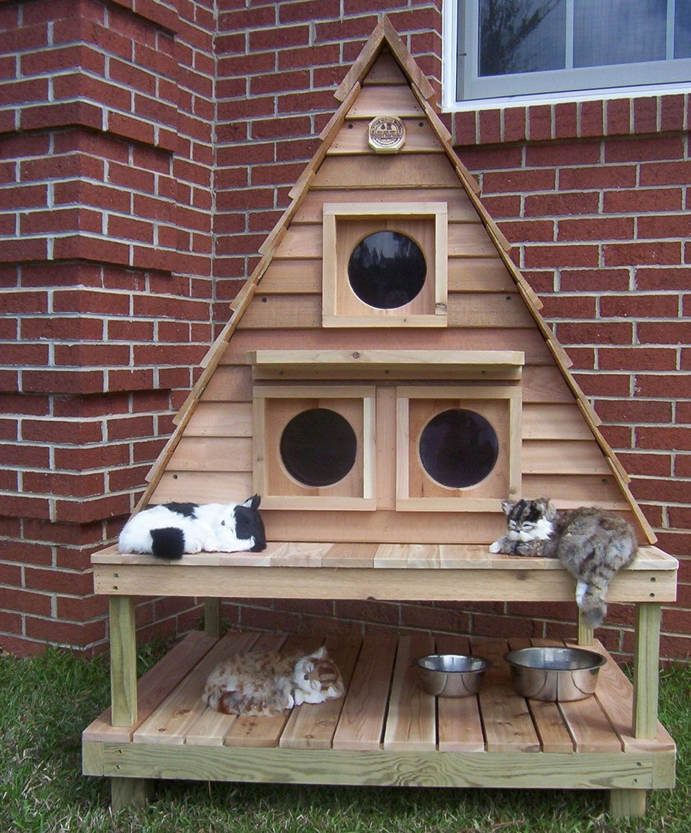 Outdoor Cat House For 3 6 Cats Customizable Free Shipping Available Cat House Diy Outdoor Cat House Cat House Plans