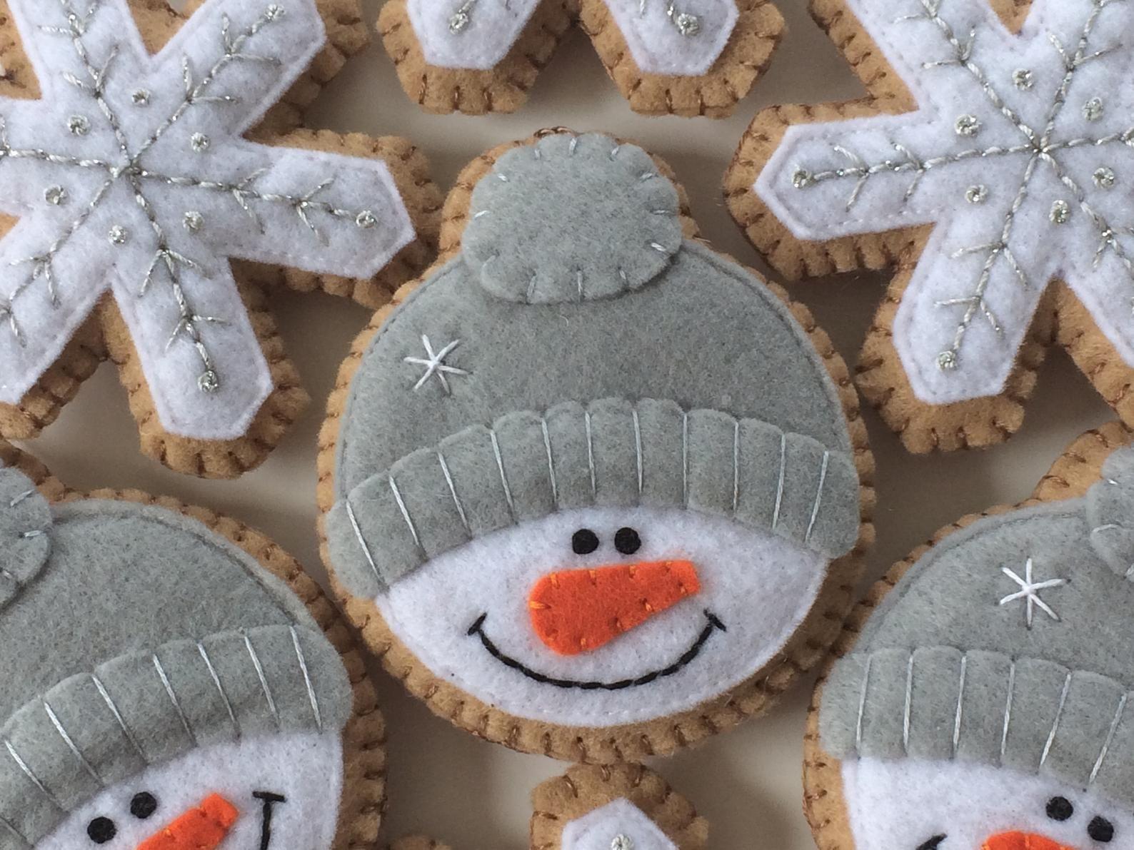 Felt Snowman Christmas Ornaments Christmas Decoration Etsy Felt Crafts Christmas Felt Christmas Ornaments Felt Christmas Decorations