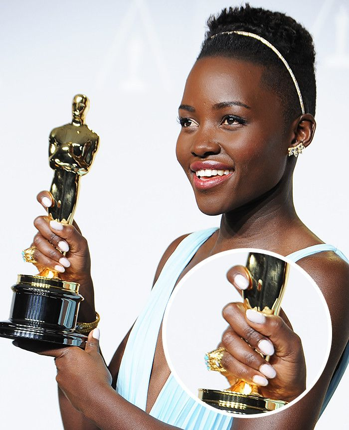 There's a shocking connection between female Oscar winners—here's the proof.
