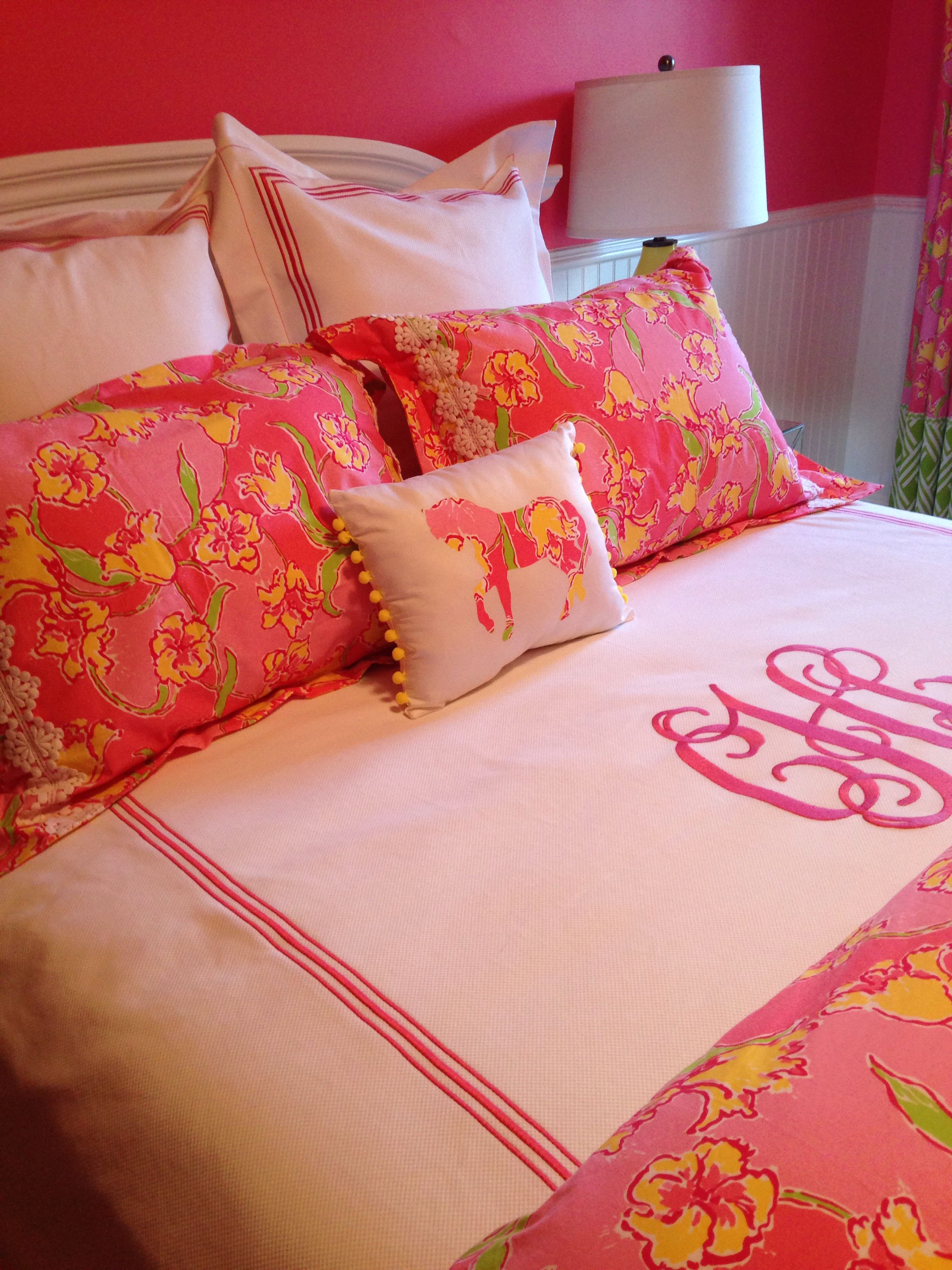 Lilly Pulitzer inspired bedroom for SG the monogram especially cute!